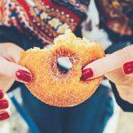 止まらない体重増加からの卒業!甘いものをやめる効果とは?
