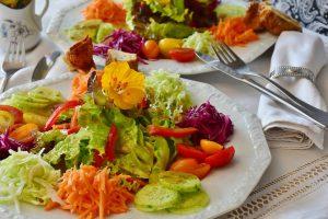 ダイエット夜メニューに生野菜