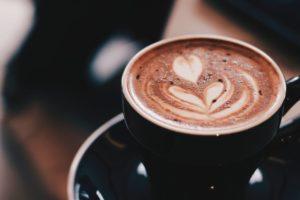 コーヒーや緑茶などは要注意!