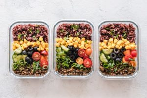 家族の食事の量、どうしたら健康的に満足させてあげられる?